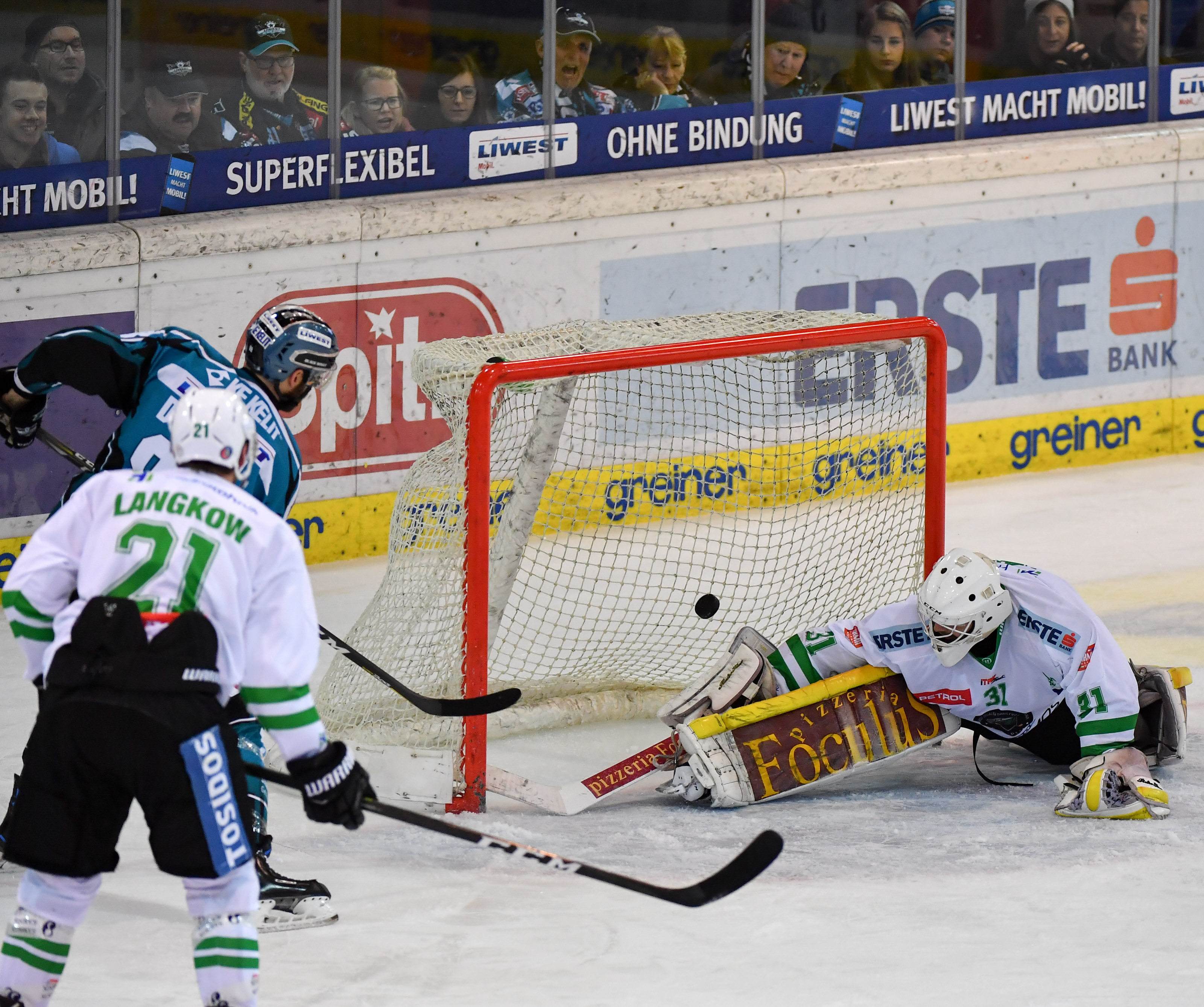 AUT, EBEL, Liwest Black Wings Linz vs HDD Olimpija Ljubljana