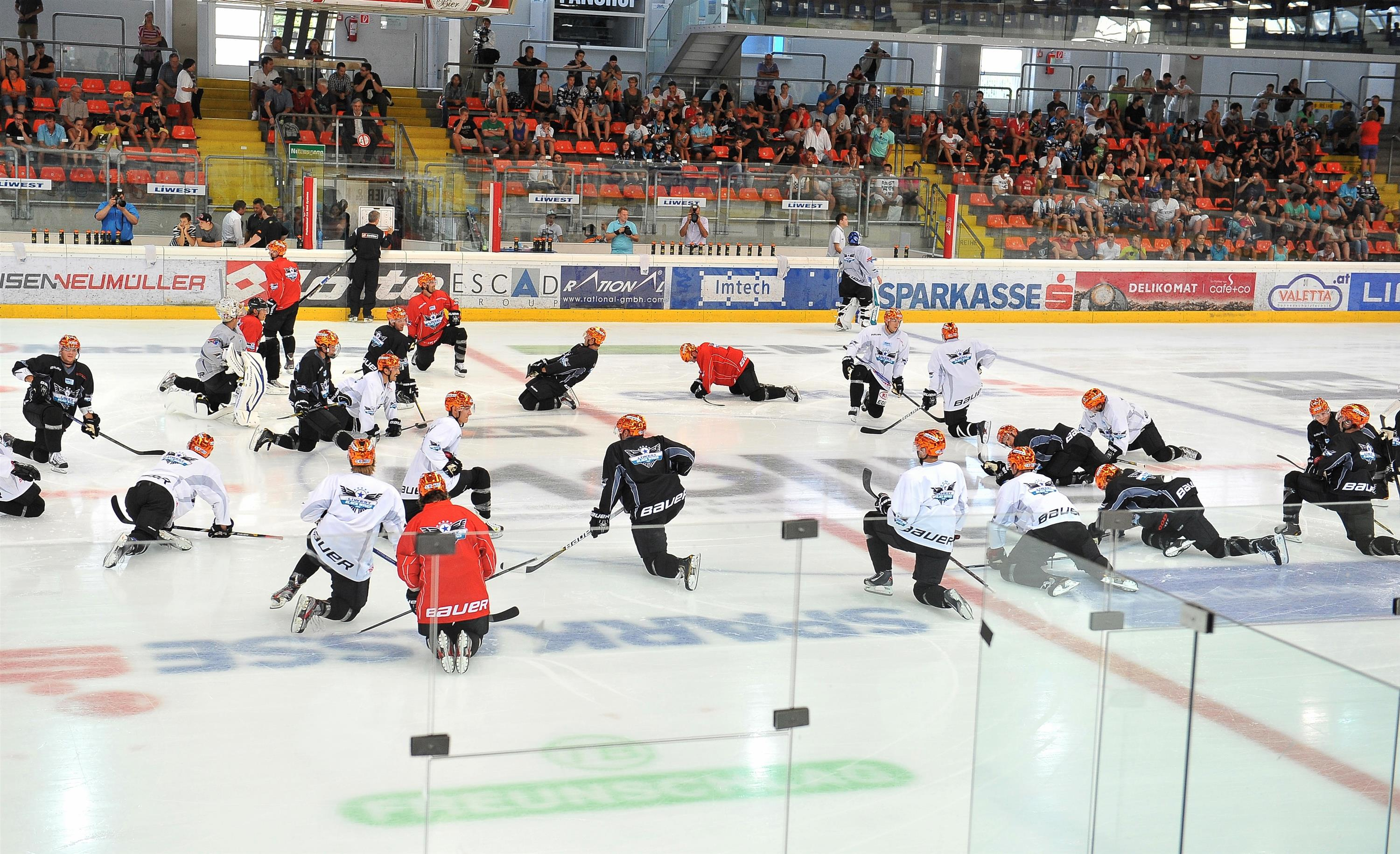 Eishockey Trainingsauftakt Black Wings Linz 05.08.2013 – Mannschaft 2