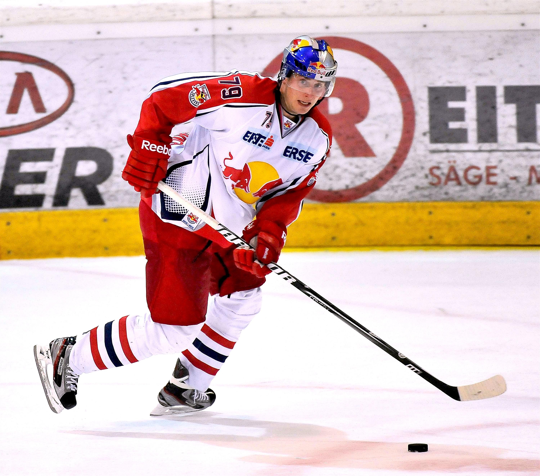 Eishockey Black Wings Linz vs Red Bull Salzburg 28.09.2012 – Ryan Kinasewich 2