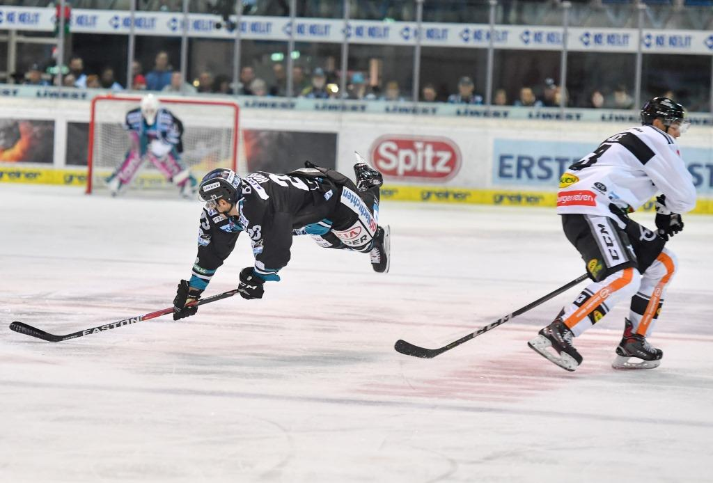 AUT, EBEL, Liwest Black Wings Linz vs Dornbirner Eishockeyclub