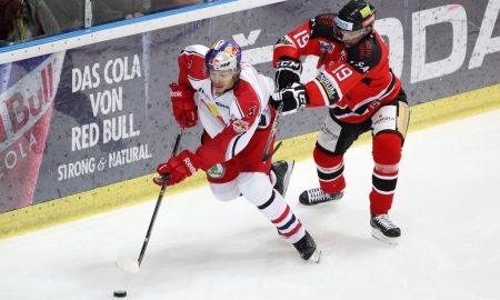 GEPA-07091268028 - SALZBURG,AUSTRIA,07.SEP.12 - ICE HOCKEY - EBEL, Erste Bank Eishockey Liga, EC Red Bull Salzburg vs HC Orli Znojmo. Image shows Thomas Raffl (EC RBS) and Ales Sova (Znojmo). Photo: GEPA pictures/ Felix Roittner - For editorial use only. Image is free of charge